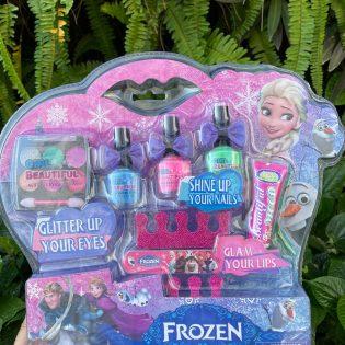 Bộ trang điểm và sơn móng tay Elsa