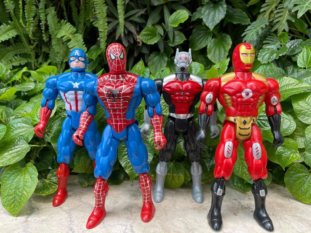 Bộ sưu tập 4 anh hùng Avenger size to có đèn